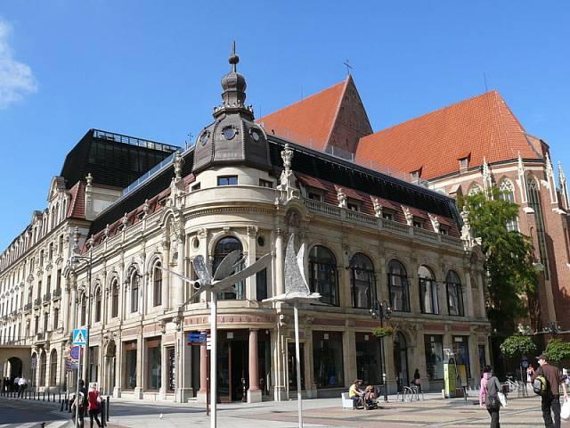 Hotel Monopol, kde bydlí čeští fotbalisté