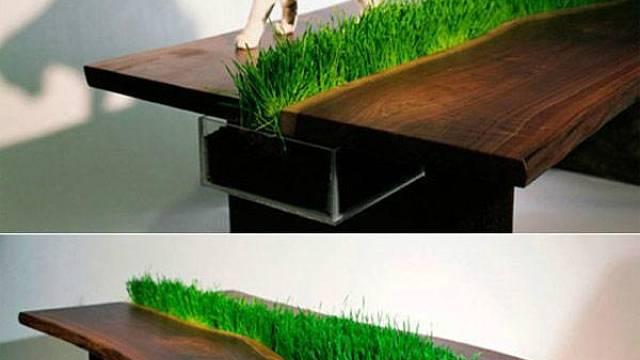 Začněme u něčeho menšího, a přesto velmi efektního. Jedná se o nábytek, v němž je přímo integrovaný prostor, který má sloužit jasně danému účelu – jako květináč. K této trochu zvláštní kombinaci nejvíce vybízí využití jídelního stolu, kam zkrátka živé ...