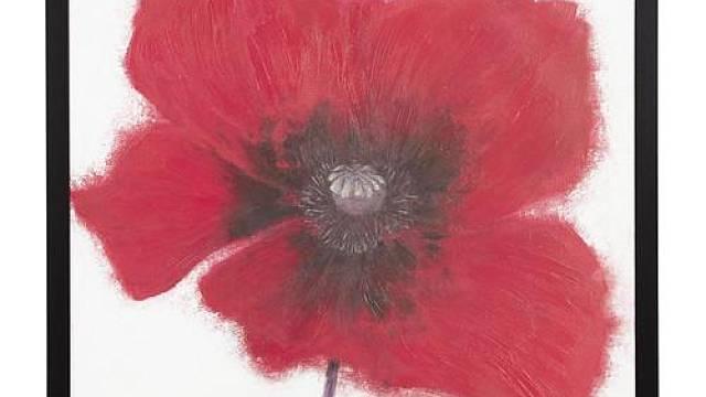 """Obraz s květinovým motivem interiér vždy oživí a vnese do něj optimistickou náladu. Obraz Hallaryd s názvem """"Vlčí mák II"""" má velkorysý rozměr 100 x 100 cm a prodává ho IKEA (cena 2 290 Kč)."""