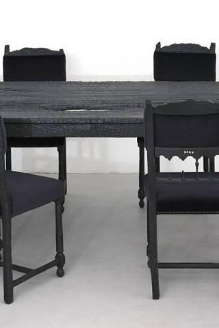 Netradiční stoly