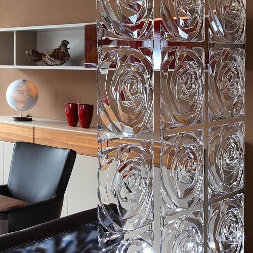 Dělicí stěna ze závěsných dekorací / KOZIOL