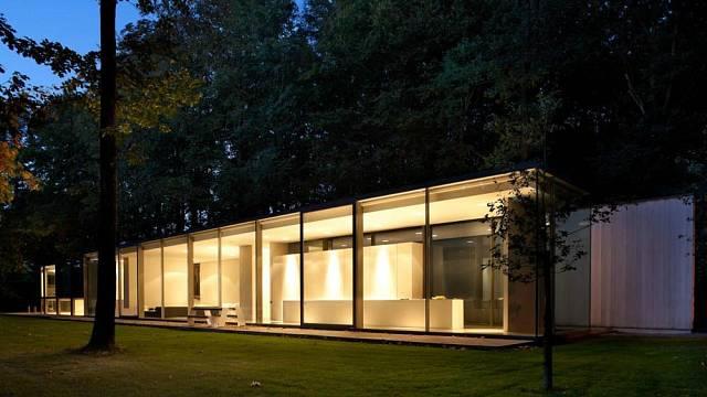 Prosklený dům v belgickém lese 1