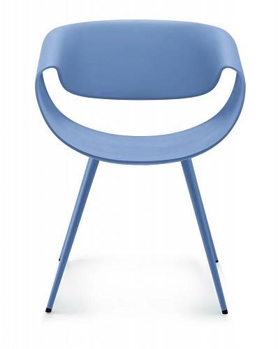 """Výrazné židle """"Little Perillo"""" navrhl pro Dauphin Home designér Martin Ballendat. Za svůj futuristický, emocionální vzhled byly mnohokrát oceněné, naposled získaly """"iF product design award 2012"""" na veletrhu v Miláně. Povrch sedáku, opěradla, opěrek ruk..."""