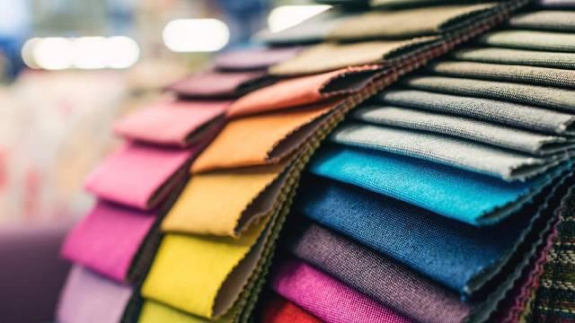 Výběr správné barvy a materiálu pro vaši domácnost je naprostým základem vaší pozdější spokojenosti.