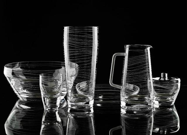 Kolekce broušeného skla navrhnutá Máriou Hostinovou