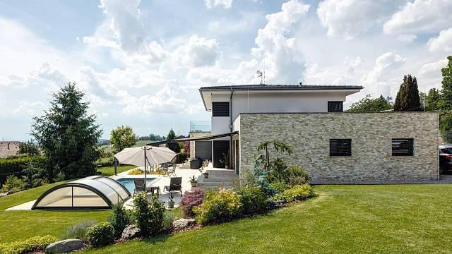 Investor chtěl seriózní dům, tak si vybral cihly HELUZ a postavil dům v pasivním standardu. / Foto: Tomáš Dittrich