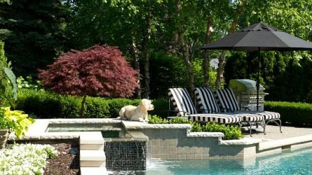 Odpočinek na zahradě 1