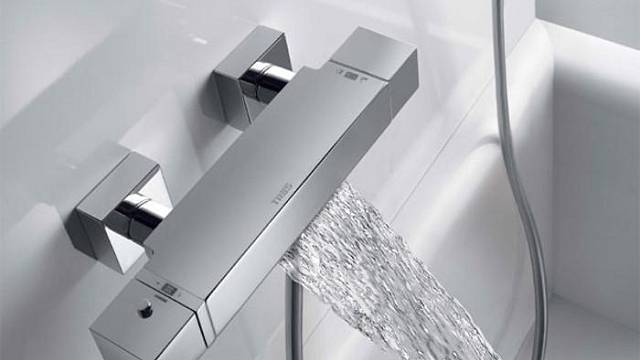 Termostatická baterie TRES pro vanu a sprchu s kaskádou