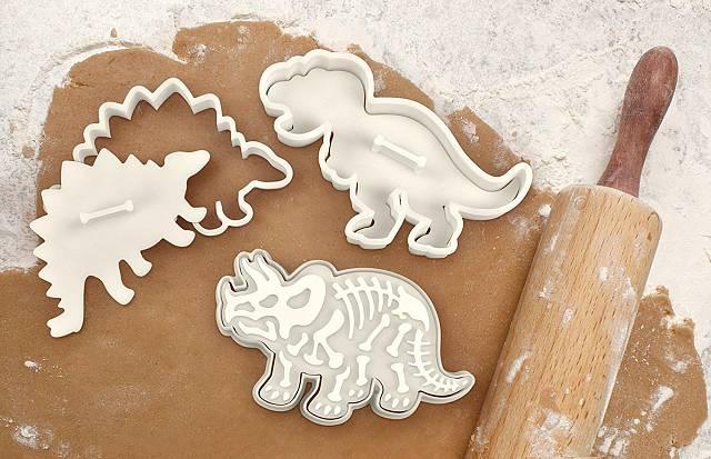 Upečte si originální a vtipné sušenky, které budou milovat nejen děti. Motivy dinosauřích koster jsou nádherné, legrační a opravdu až realisticky propracované.