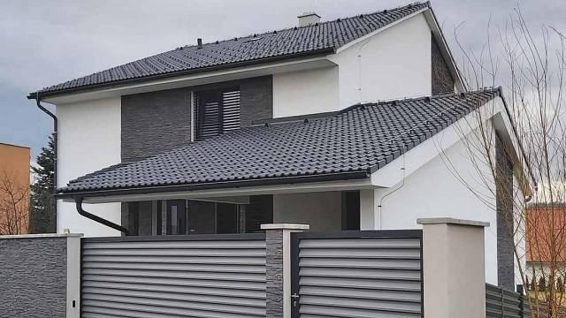 Speciální pigmenty integrované do povrchové vrstvy betonových tašek STAR odrážejí částinfračerveného světlaa tím omezují přehřívání střechy