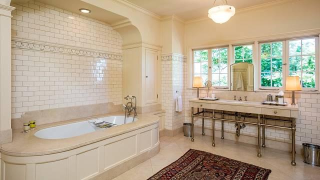 Tohle ještě není potvrzené, ale dům s touto koupelnou prý chce koupit Angelina Jolie. Cena: 25 milionů dolarů.