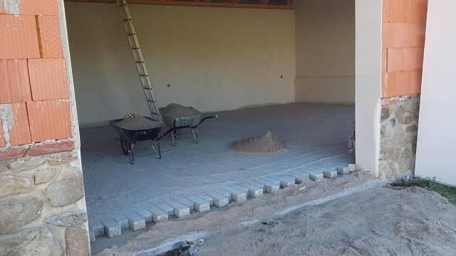 Nová podlaha garáže