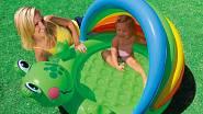 Tento typ bazénku s měkkým dnem a stříškou je vhodný pro děti od 1 do 3 let. Rozměry 114  x 99 x 69 cm. Cena 220,- Kč