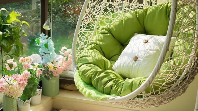 Designové houpačky pro letní relaxaci