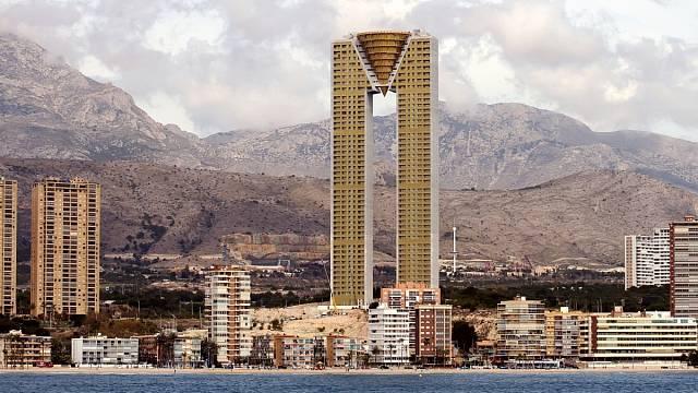 Nejvyšší obytná stavba v EU - Intempo ve španělském Benidormu