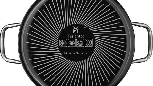 Symbol indukce (vpravo) na nádobí značky WMF pomůže v rychlé orientaci.