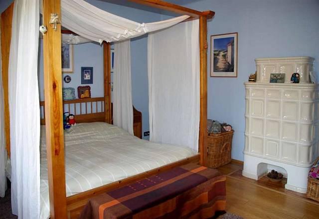 Podle feng-šuej by ložnice měla být místnost jinová, klidná, chladná, neprovokující