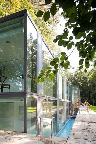 Prosklený dům v belgickém lese 6