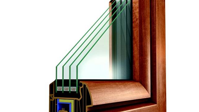Čím víc skel, tím samozřejmě lepší izolační vlastnosti jak pro teplo, tak i pro hluk