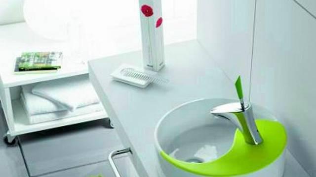 Ideální variantou je pořídit umyvadlo přímo s baterií. Hodí se totiž k němu nejen ergonomicky, ale i esteticky. Co víc si přát?   **Yin Yang Green, Perfecto Design, cena 3 540 Kč**