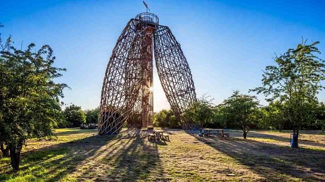 Doubravka, soutěžící Huť architektury Martin Rajniš; Vítěz veřejného hlasování v kategorii Dřevěné konstrukce – realizace