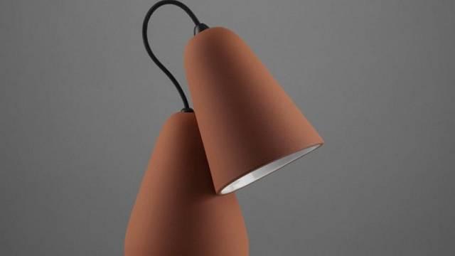 terakotová lampa designéra Tomáše Krále z Lausane