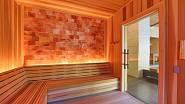 Sauna se stěnou z himalájské soli
