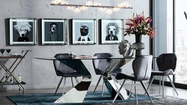 Stůl Gloria je originální designem i materiály, kombinuje rám z pozinkované oceli v s bezpečnostním sklem, cena 30990 Kč.