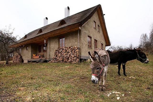Dům ze slámy