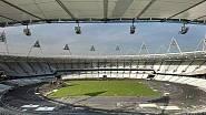 Stadion je z části zastřešen - střecha je vyrobena z lehké membrány, jejímž základem je polymer. Lany podporovaná střešní konstrukce zakryje zhruba dvě třetiny sedaček na stadionu.