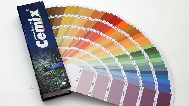 Omítka Activcem je dodávána v široké nabídce odstínů podle vzorníku Cemix Duhově krásný