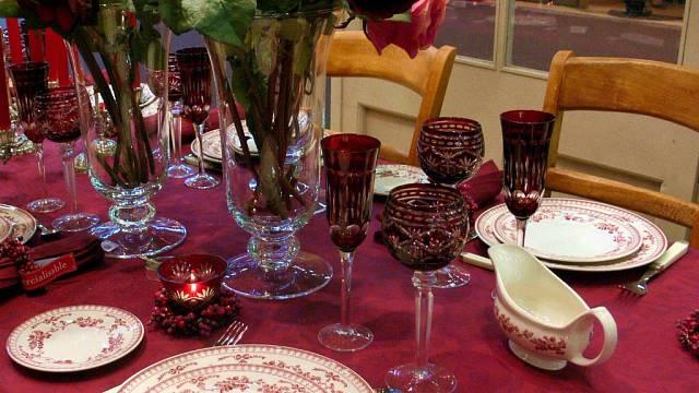 Vánočně prostřený stůl