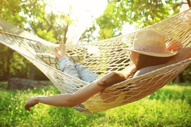 Houpací síť pro dokonalé letní lenošení