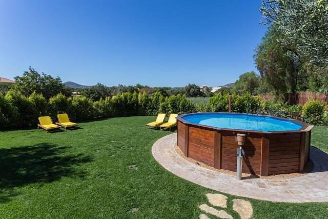I nadzemní bazén může působit esteticky.