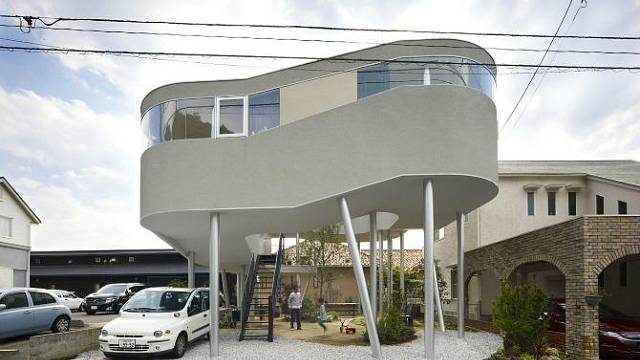 Dům jako ptačí hnízdo
