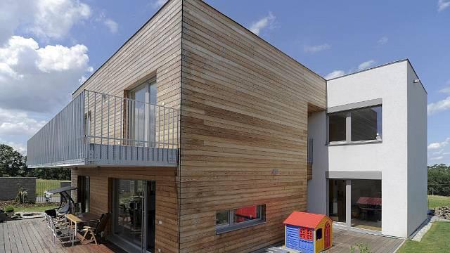 Rodinný dům s dřevěnou fasádou
