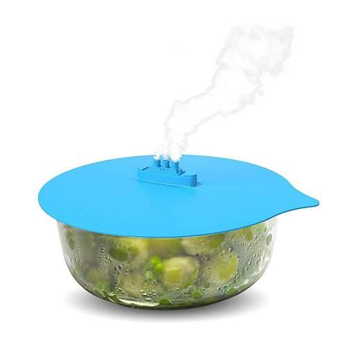 Silikonová poklička se hodí na zakrytí právě uvařeného jídla, aby nevystydlo, ale můžete ji použít i na zakrytí hrnců při vaření. Její velkou výhodou je unverzální velikost.