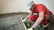 Vzniklý lehký beton upravíme do požadované výšky stahovací latí