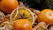 Vánoční dekorace z pomerančů