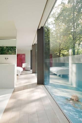 Prosklený dům v belgickém lese 5