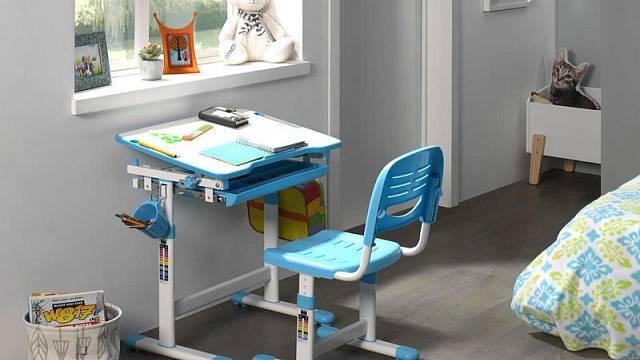 Rostoucí psací stůl se židlí Comfort, 4 536 Kč / Nábytek Aldo