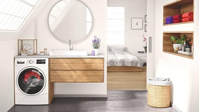 Kombinovaná pračka se sušičkou WDU8H541EU šetří místo, cena 27 990 Kč.