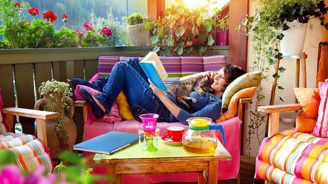 Vytvořte si oázu pro odpočinek doma na balkóně
