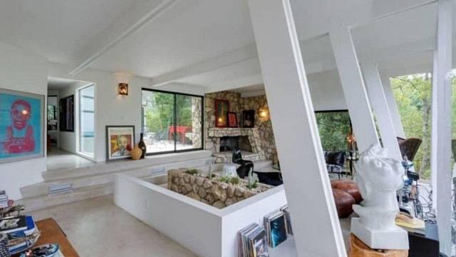 Dům Ellen Pompeo v Hollywood Hills je jako zelená oáza