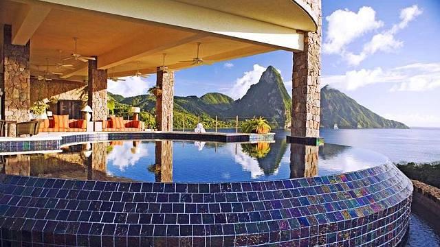 Santa Lucia - Jade Mountain hotel