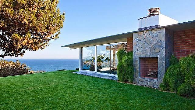 Brad Pitt a Angelina Jolie prodávají svůj dům za 14 milionů