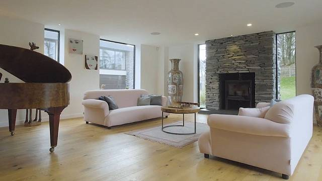 Jeden z obývacích pokojů
