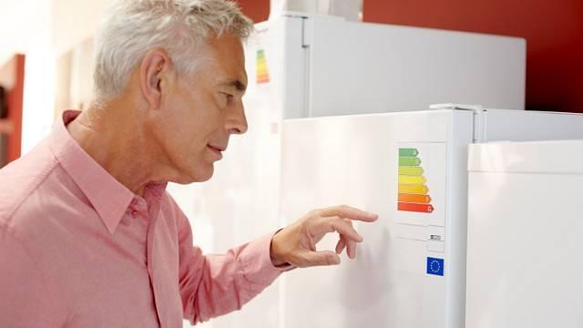 Při výběru spotřebiče by se naše pozornost měla zaměřit na energetický štítek
