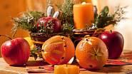 Vyřezávané pomeranče s hřebíčkem