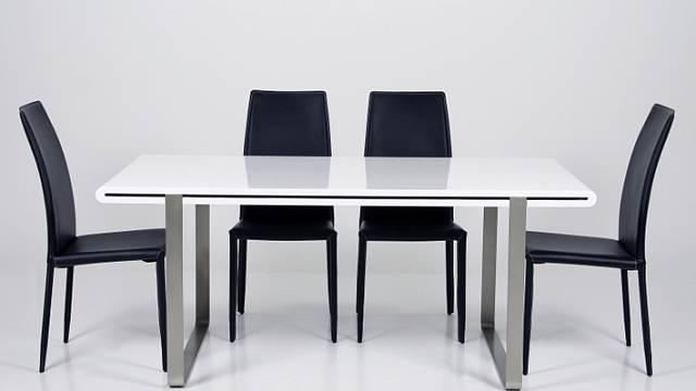 Vněkterých případech je praktické využívat jídelní stůl kvíce činnostem. Například jako pracovní nebo jednací. Jedním zvhodných adeptů ktakovému počínání je Noel. Má poniklovanou kovovou podnož a obdélníkovou desku vbílém klavírním laku ve vysokém...